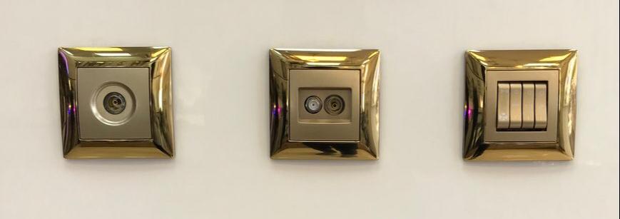 کلید و پریز رویان مدل پالاس فلزی